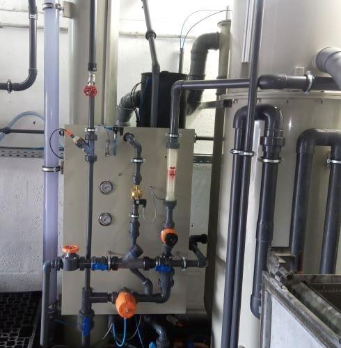 WtR_Beispiel_ESA-Flot-02_Details-02a geklebte, verschraubte PVC-Leitung